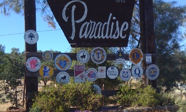 Welcome_to_Paradise__CA.JPG