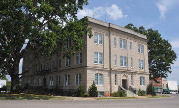 MOORE_COUNTY_COURTHOUSE__CARTHAGE__MOORE_COUNTY.jpg