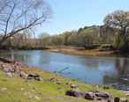 Confluence_of_Pumpkinvine_Creek_and_Etowah_rivers__April_2017.jpg