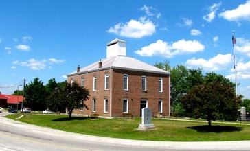 Spencer-Van-Buren-Courthouse-tn1.jpg