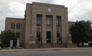 Caldwell_County_Kentucky_Courthouse.jpg