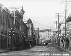 Oak_Street__Laurel__Mississippi__circa_1900_.jpg