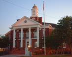 Bacon_County_Courthouse__Alma__GA__USA.jpg