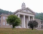 Wyoming_County_Courthouse_West_Virginia.jpg