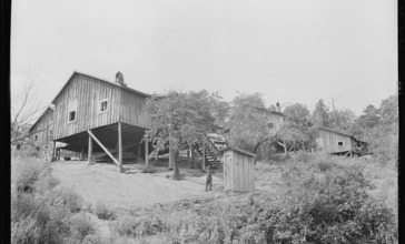 Homes_of_Negro_miners_in_company_housing_project._Adams__Rowe___Norman_Inc.__Porter_Mine__Adamsville__Jefferson..._-_NARA_-_540603.jpg