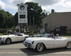 Mr_Robert_E._Murray_at_clock_in_1954_Corvette.jpg
