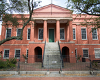 Portsmouth_Courthouse__former_Norfolk_County_Courthouse__in_Olde_Towne_Portsmouth__Virginia.jpg