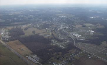 Flying_over_Georgetown.jpg