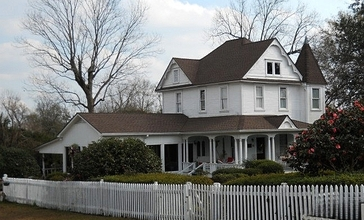 George_A._McHenry_House_2013.jpg