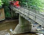 Erie_Zoo_train_bridge.jpg