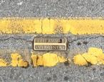 Bristol_VA_TN_Double_Yellow_Line_State_Street.jpg