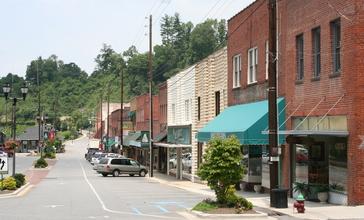 Downtown_Spruce_Pine_NC.jpg