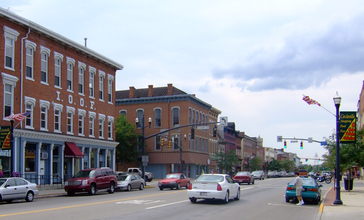 Main_Street_Circleville.JPG