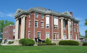 Hardy_County_Courthouse-Moorefield_WV.jpg