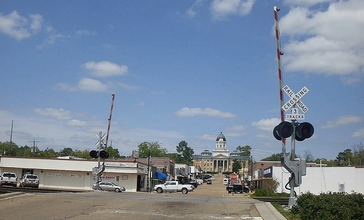 Downtown_Mendenhall_Mississippi_April_2014.jpg