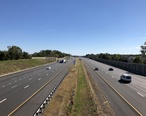 2018-10-22_12_22_17_View_east_along_Interstate_66_from_the_overpass_for_Jefferson_Street__Virginia_State_Route_625__in_Haymarket__Prince_William_County__Virginia.jpg