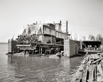 Mississippi_River_floating_dry_dock_-_Vicksburg.jpg