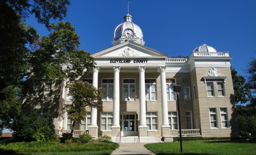 Old_Cleveland_County_Courthouse_2009.JPG