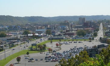 Ashland_KY_pan_oct_14_2006.JPG