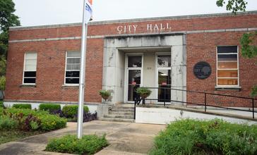 City_Hall_in_Fort_Valley__GA__US.jpg