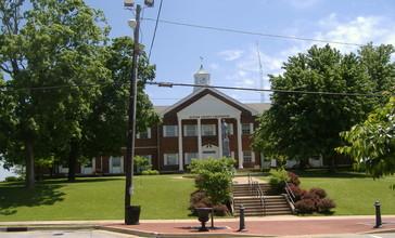 Butler_County_Courthouse_Kentucky.jpg