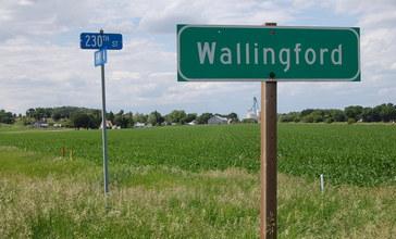 Wallingford_Iowa_town_sign.JPG