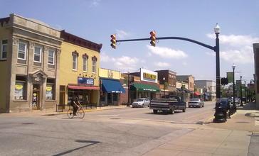 Main_Street_in_downtown_Hobart__Indiana.jpg