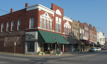 Third_Street_at_Courthouse_Square_in_Boonville.jpg