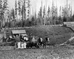 Oakville_-_Lonnborg_Family_-_1890.jpg