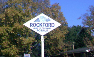 Rockford_IA_Logo_Road_sign.JPG