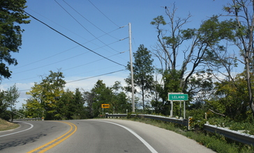 Leland_Michigan_Sign_Looking_North_M-22.jpg