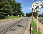 2016-06-26_17_42_18_View_north_along_Virginia_State_Route_42_and_east_along_Virginia_State_Route_259__Lee_Street__at_Louisa_Street_in_Broadway__Rockingham_County__Virginia.jpg