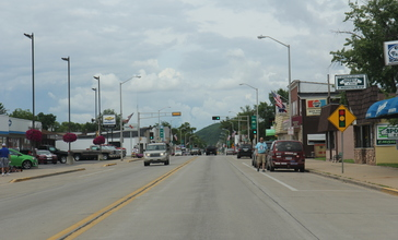 Adams_Wisconsin_Downtown_looking_north_on_WIS13.jpg