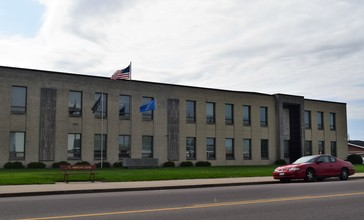 Trempealeau_County_Courthouse.jpg
