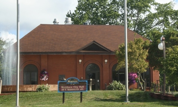 Washburn_Wisconsin_City_Hall.jpg