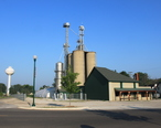 Deerfield_village_grain_elevator.JPG