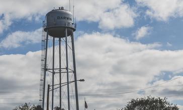 Darwin_Water_Tower__Darwin_Minnesota_Tony_Webster__29760334840_.jpg