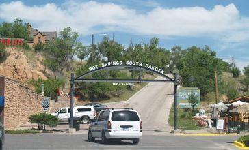 Hot_springs_south_dakota_welcome_sign.jpg