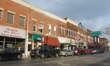 Downtown_Bloomfield__Indiana.jpg
