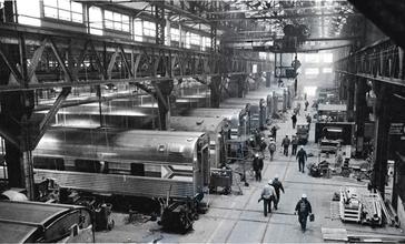 Amtrak_cars_undergoing_HEP_conversion_at_Beech_Grove__1980.jpg