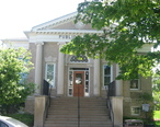 Carnegie_library_in_Danville__Indiana__front.jpg