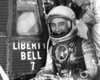 Grissom_prepares_to_enter_Liberty_Bell_7_61-MR4-76.jpg