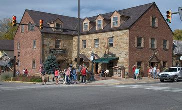 Nashville_Indiana_-_Corner_of_Main_street__6236000023_.jpg