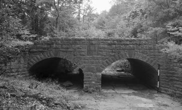 Spring_Lake_Bridge.jpg