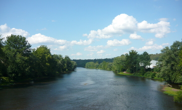Youghiogheny_River_at_West_Newton.jpg