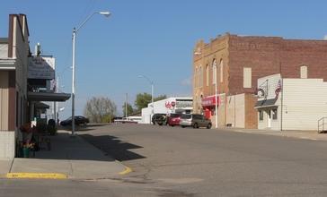 Crofton__Nebraska_2nd_Street_1.JPG