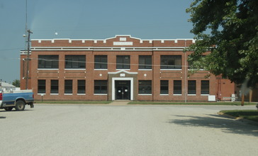 Cunningham_kansas_high_school_2009.jpg