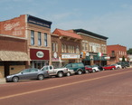 Kingman_kansas_business_district_2009.jpg