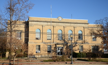 Logan_County_Courthouse__Southern_Judicial_District.JPG