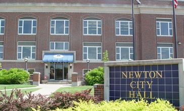 Newton_City_Hall__Kansas.jpg